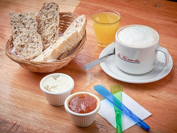 Natural - Infusión + Tostadas de pan multicereal + Jugo de naranja 45 ml