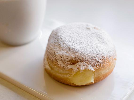 Berlinesa con crema pastelera
