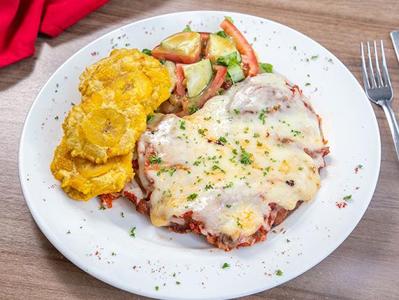 Filete de pollo a la parmigiana
