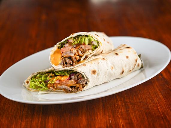 Shawarma de carne y cerdo en pan lavash