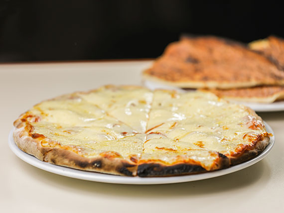 Promo - Pizzeta familiar con muzzarella + 2 fainá