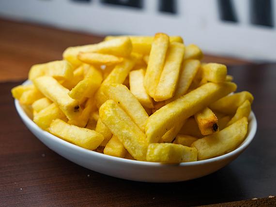Porción mediana de papas fritas
