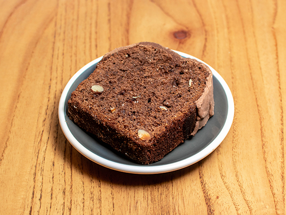 Budín de chocolate y almendras