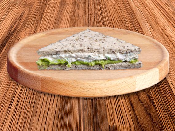 Sandwich single pollo, limón y palta