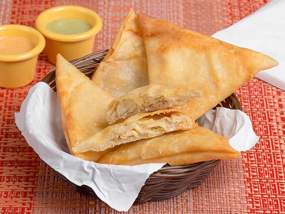 Empanaditas fritas de queso y pollo (5 unidades)