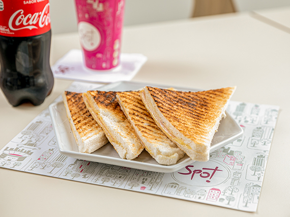 Combo - Tostado de jamón y queso + Coca Cola 600 ml