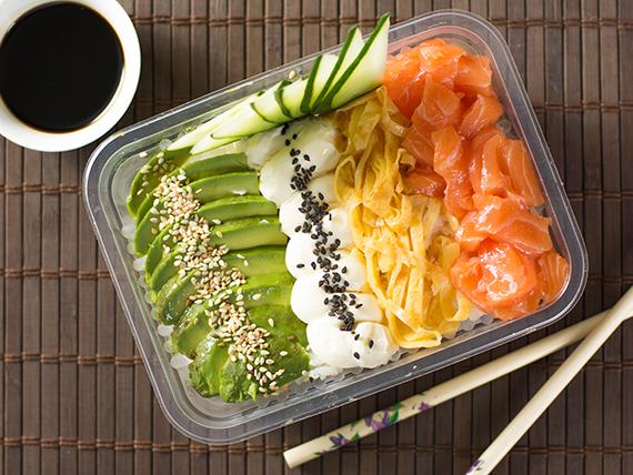 Chirashi (sushi suelto)