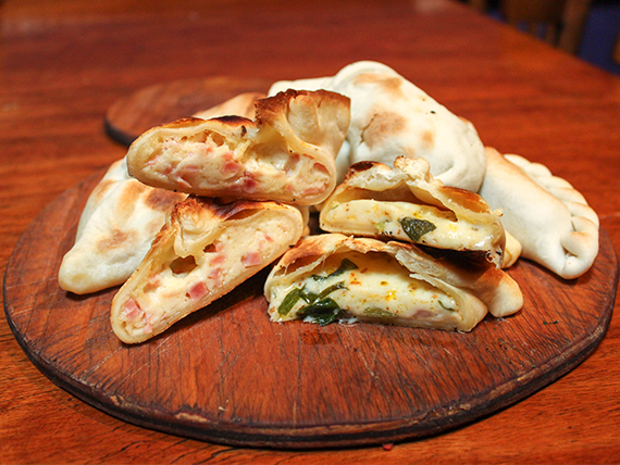 Promo  - 12 empanadas al horno