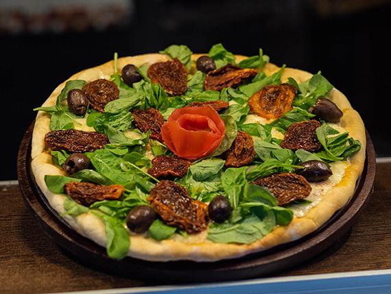Pizza con tomates secos