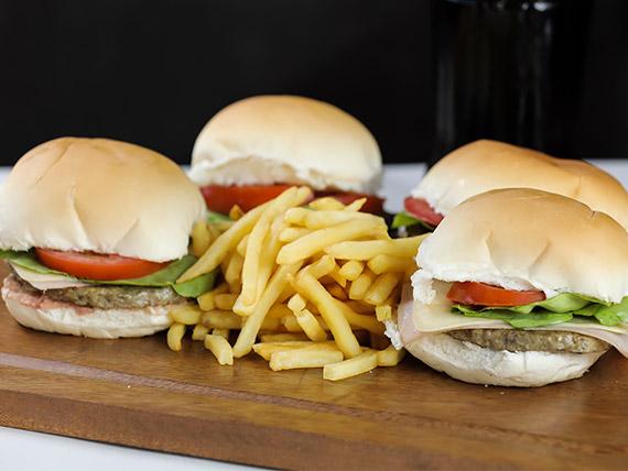 Promo 11 - 4 hamburguesas completas + porción de fritas + Coca Cola 1 L