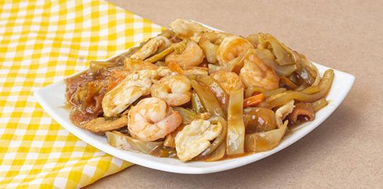Chop Suey con Pollo y Camarones