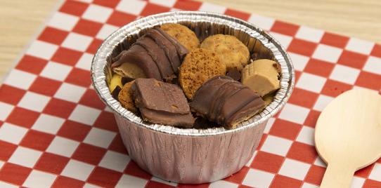 Kinder Bueno y Mini Chips Brownie Cookie Dough 120gr (Congelado)