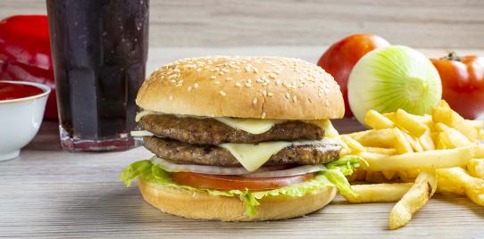 Hamburguesa Doble Carne Tipo Premium al Carbón en Combo