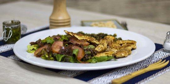 Ensalada de Pollo con Quinua al Pesto
