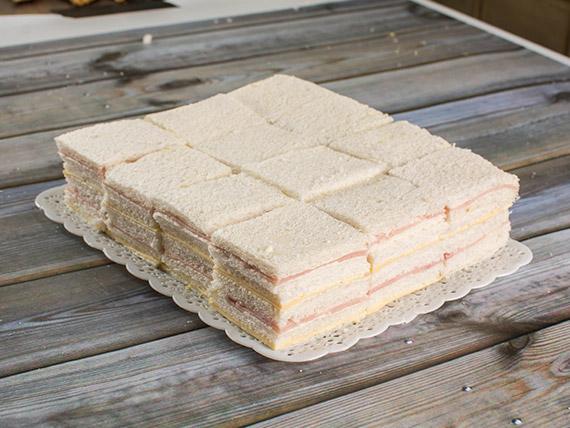 Promo 14 - 50 sándwiches simples de jamón crudo y queso
