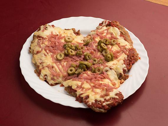 Pizzanesa de carne especial con papas fritas