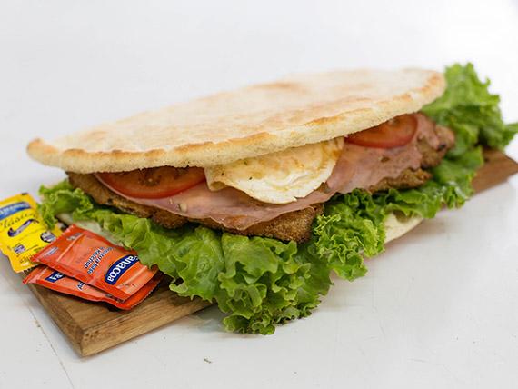 Sándwich super de milanesa o suprema