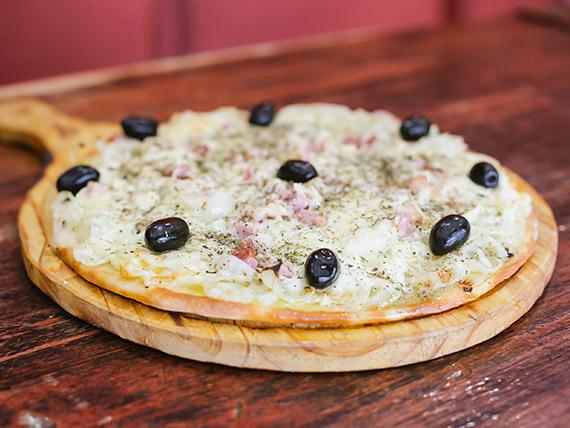 Pizza fugazzeta con panceta