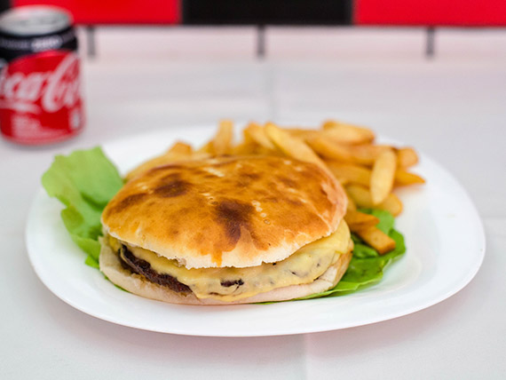 Promo - Hamburguesa completa + papas fritas + Coca Cola 220 ml