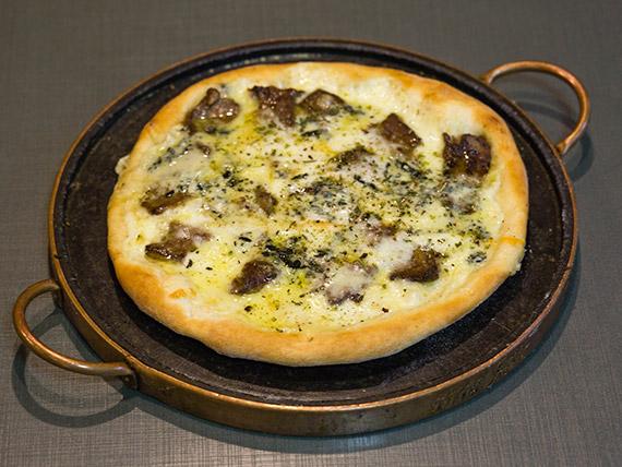 Pizza de filet com gorgonzola