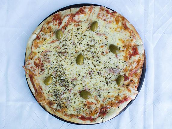 Pizza mozzarella clásica
