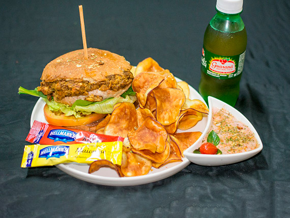 """Combo - nº 2 – Vegan burger (hambúrguer vegano) """"novidade"""" + refrigerante + porção de batatas doce roxa fritas com ervas"""