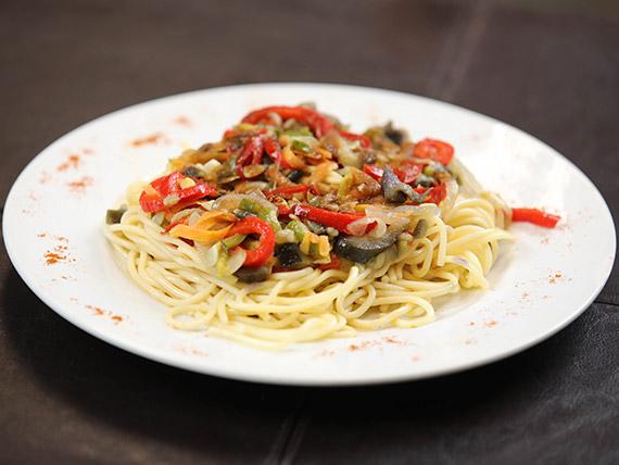 Menú - Spaguettis al wok