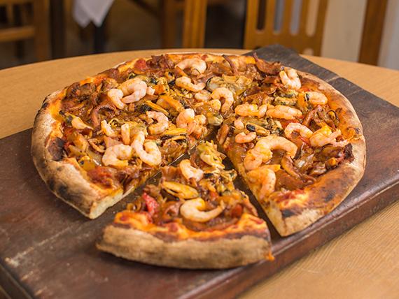 Pizza con mariscos (8 porciones)