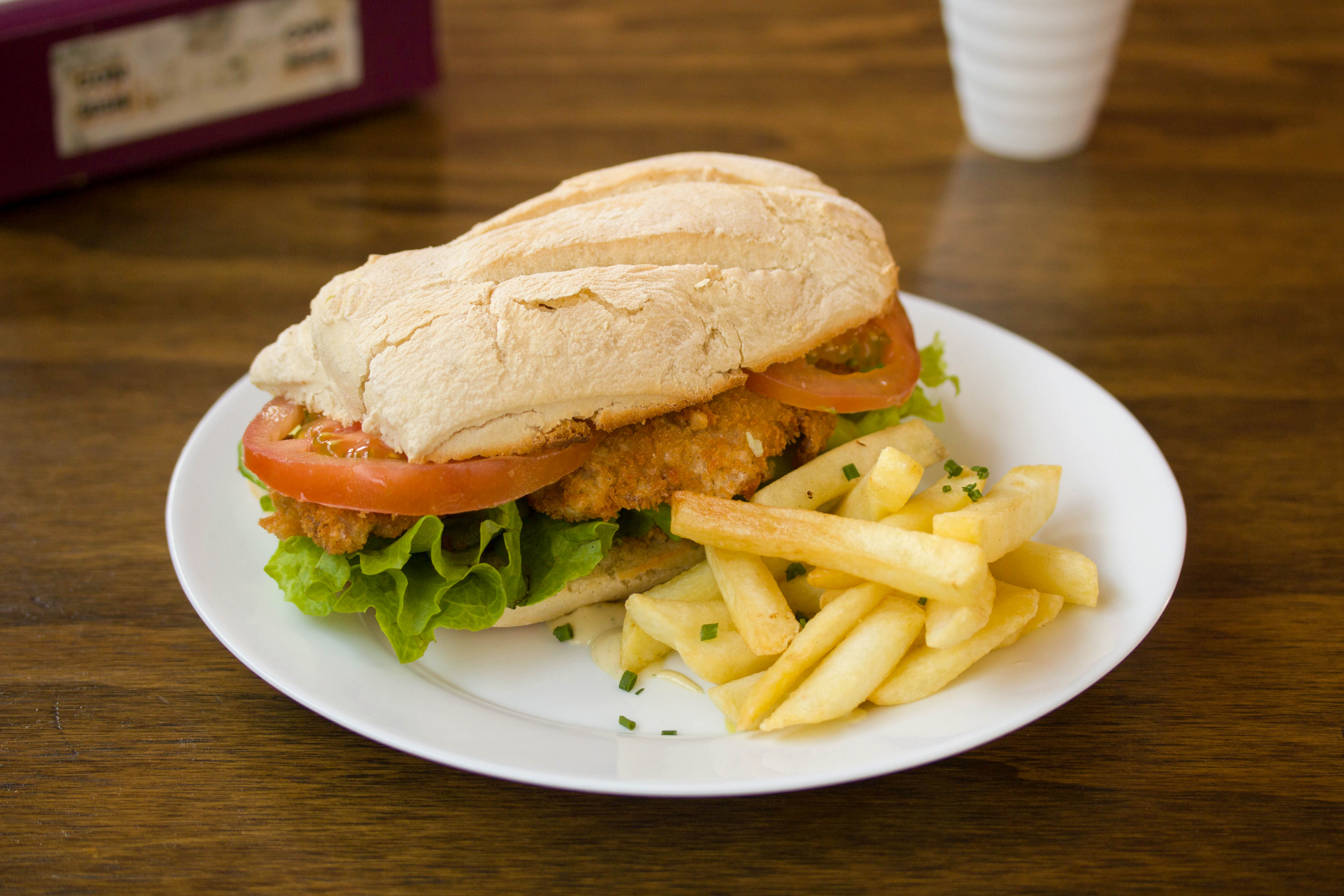 Sándwich de pollo crocante