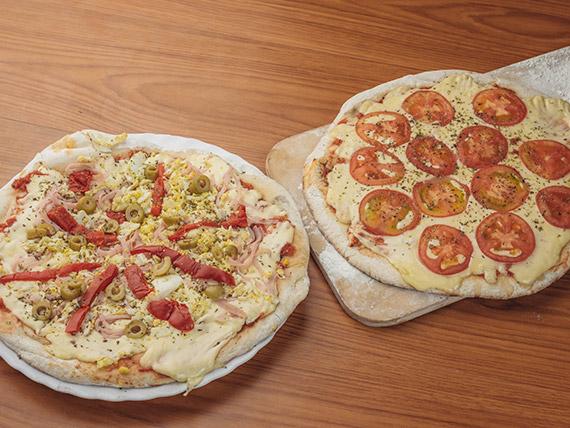 Promo 1 - Pizza napolitana (8 porciones) + pizza especial (8 porciones)
