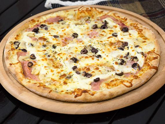Pizza presunto, champignon e azeitona grande