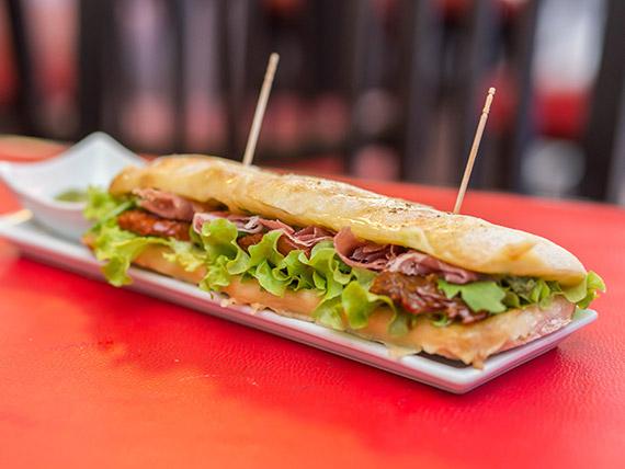 Sandwich ciabatta español