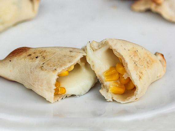 Empanadas de queso con choclo