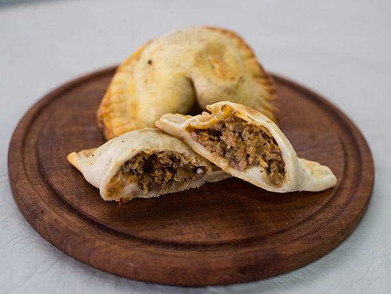 Empanada criolla picante