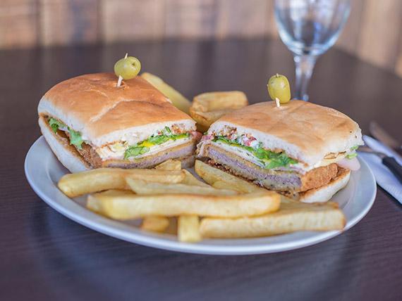 Súper sándwich de milanesa