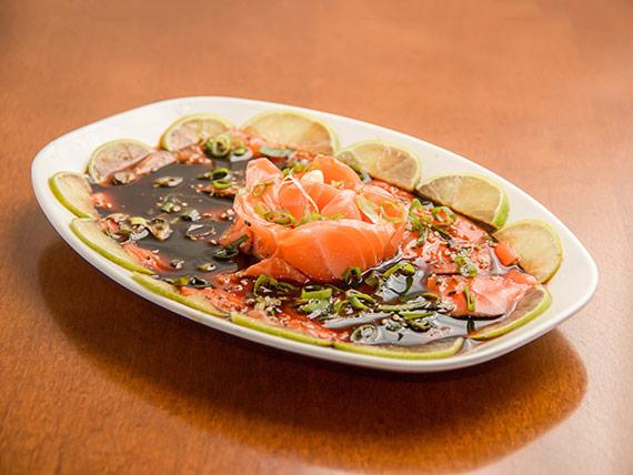 Porção de carpaccio salmão