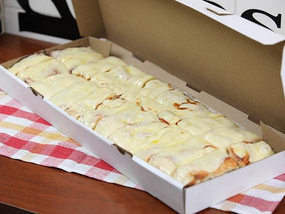 Promo - Metro de pizza con muzzarella
