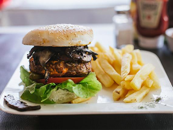 Sándwich de hamburguesa completa con hongos portobello