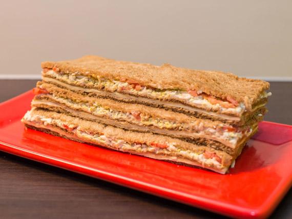 Sándwich de queso y verdura