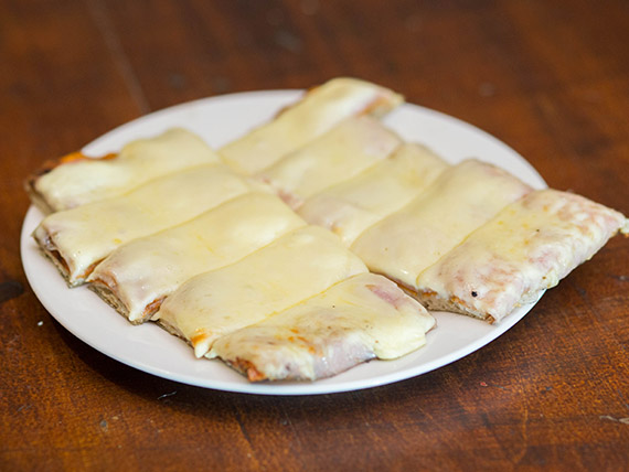 Pizza con muzzarella y un gusto