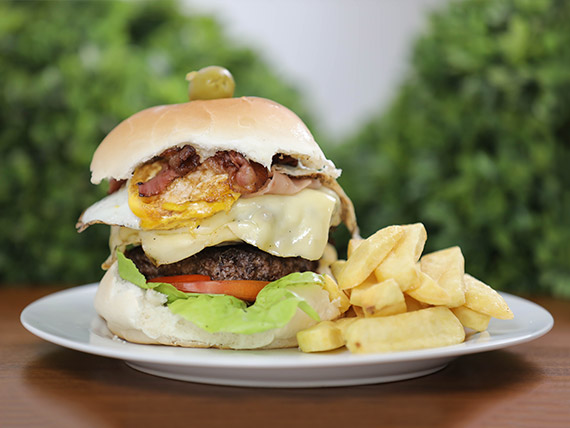 Hamburguesa casera clásica doble carne