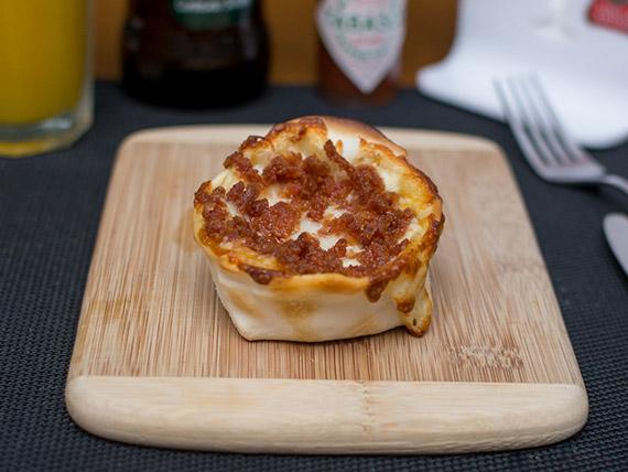 Empanada aberta pepperoni com mussarela