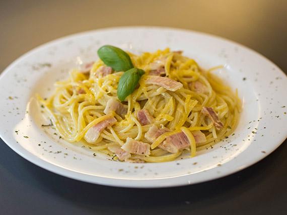 Spaghettis a la carbonara