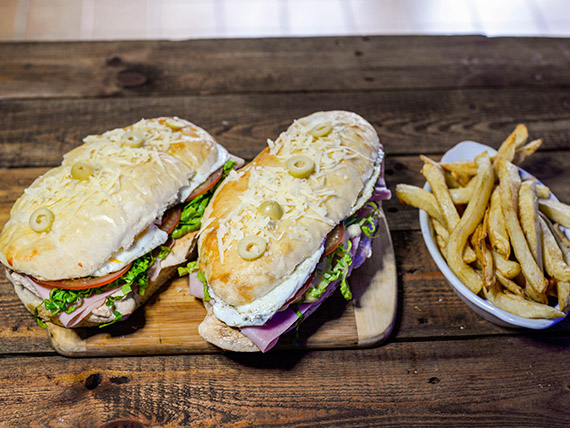 Promo 9 - 5 hamburguesas simples con cheddar, huevo frito, lechuga y tomate