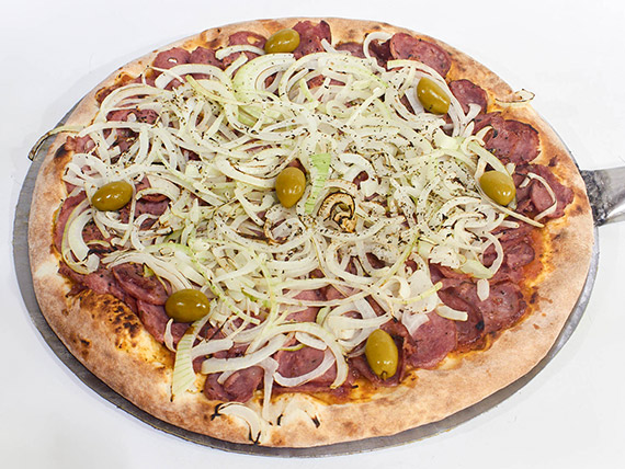 17 - Pizza calabresa