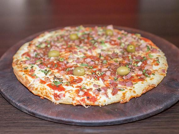 Pizza con panceta y cebolla de verdeo