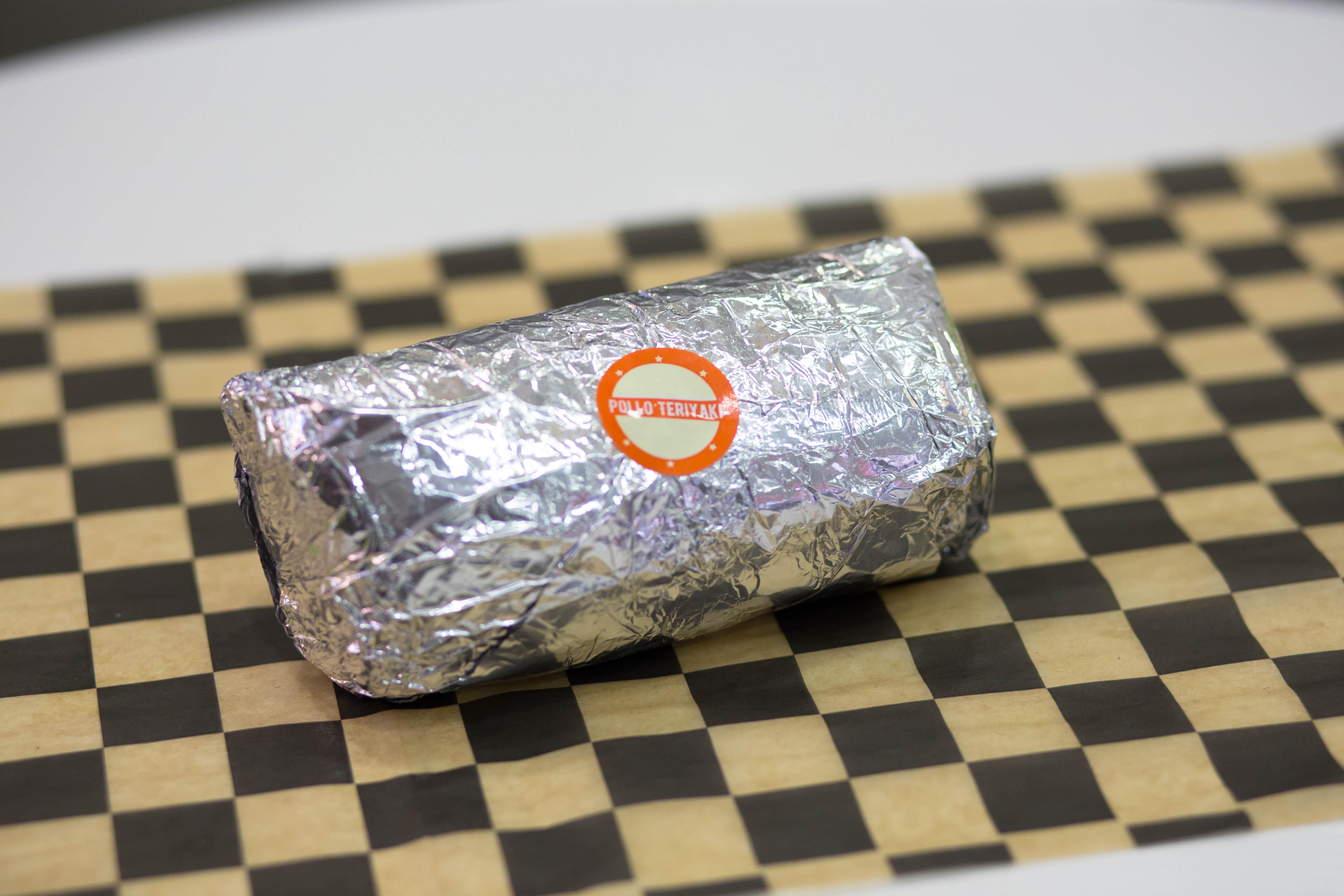 Burrito de pollo teriyaki