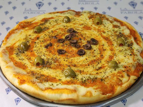 Pizza o calzone con muzzarella