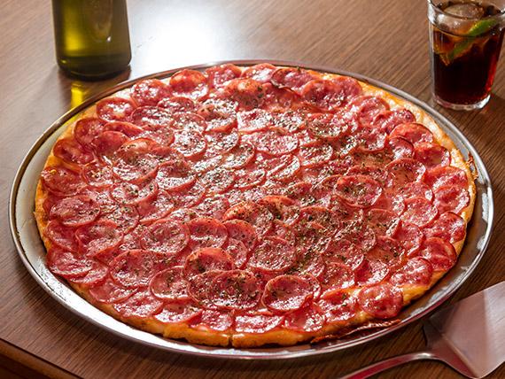 Pizza calabresa média