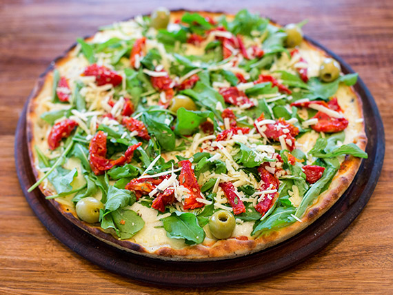 31 - Pizza tomates secos y rúcula